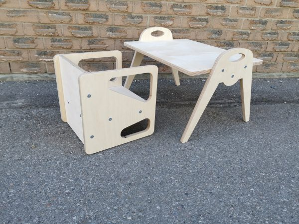 Cube Chair with Small Table
